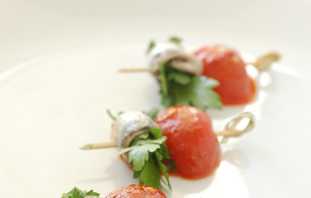 Śledzie z pomidorami w sosie chili