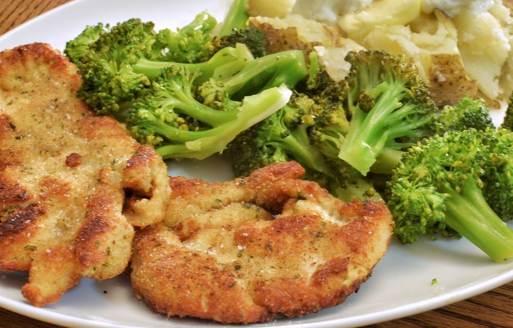 Kurczak z brokułem i ziemniakami