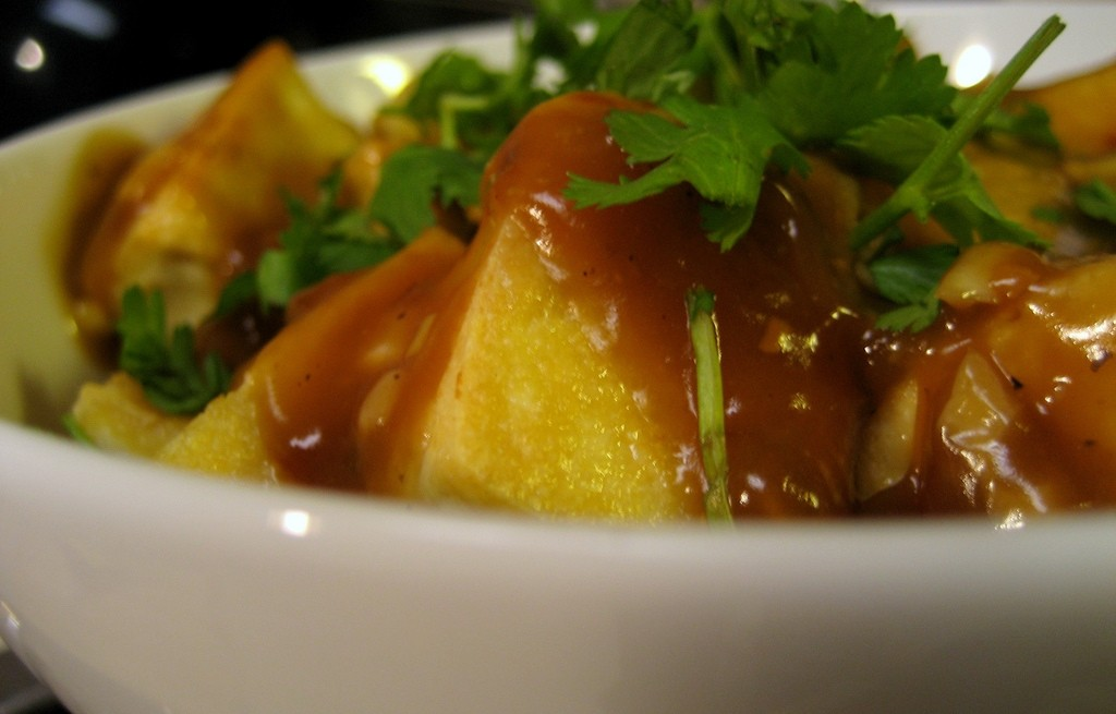 Ryż z tofu i kurkumą w sosie słodko-kwaśnym