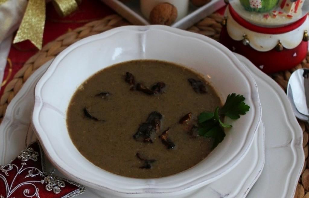 Aromatyczna, aksamitna zupa grzybowa