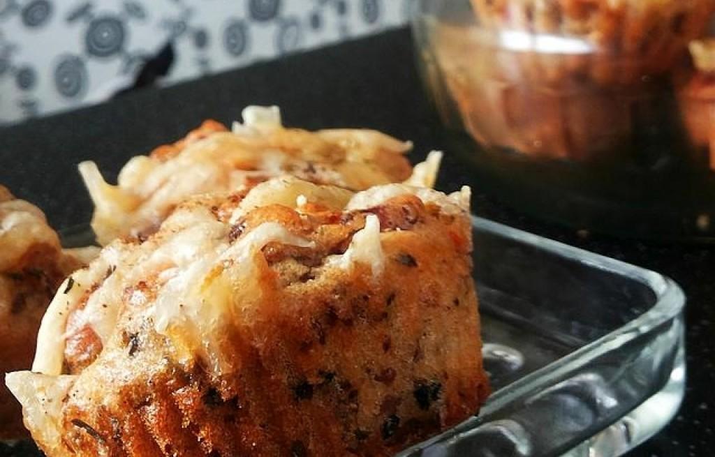 Bezglutenwe przekąski na słono - pyszne wilgotne bezglutenowe muffiny a'la pizza
