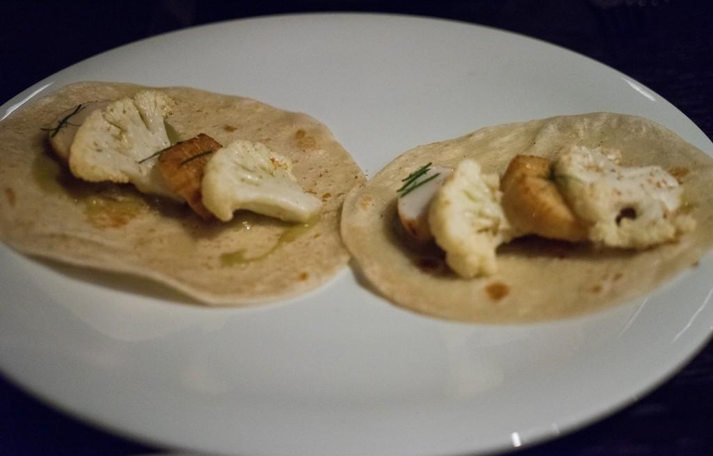 Tortilla z ziemniakami i kalafiorem