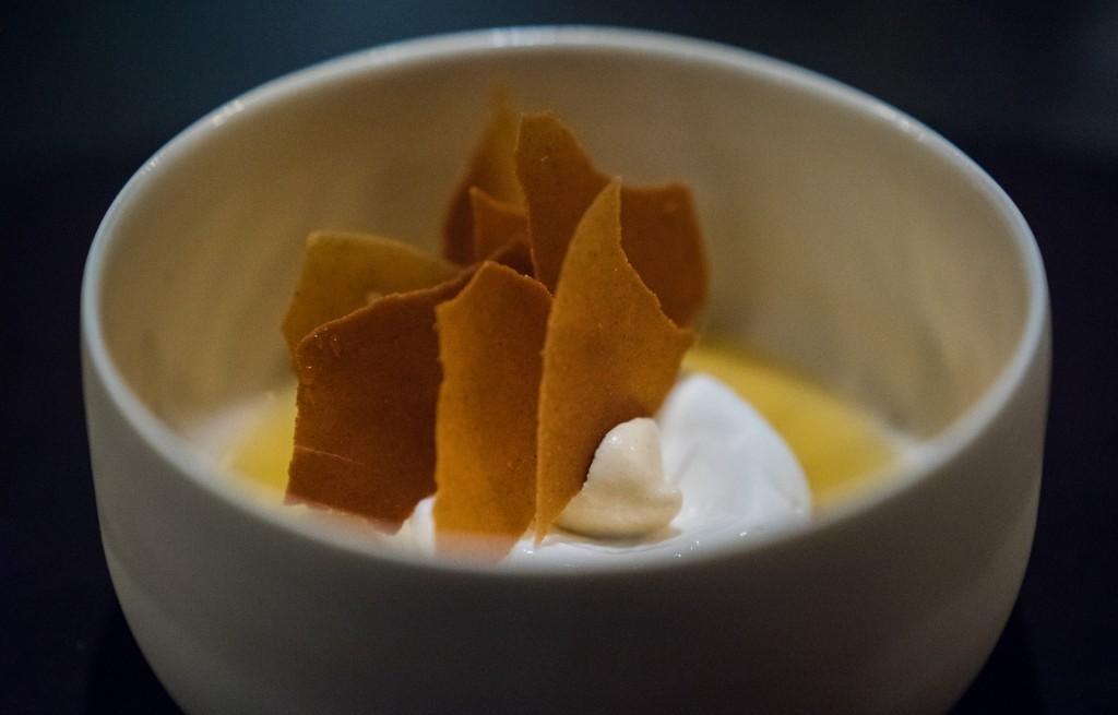 Oblaty z jogurtem i marshmallows