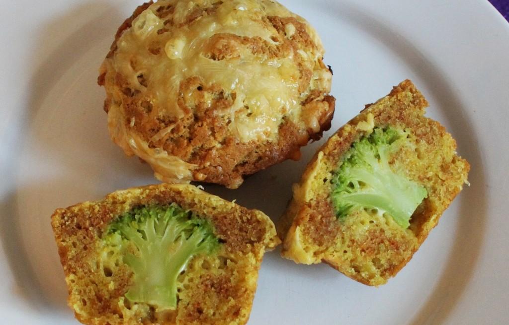 Muffinki z brokułem