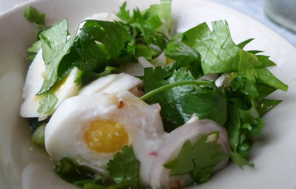 Jajka kacze z selerem i kolendrą