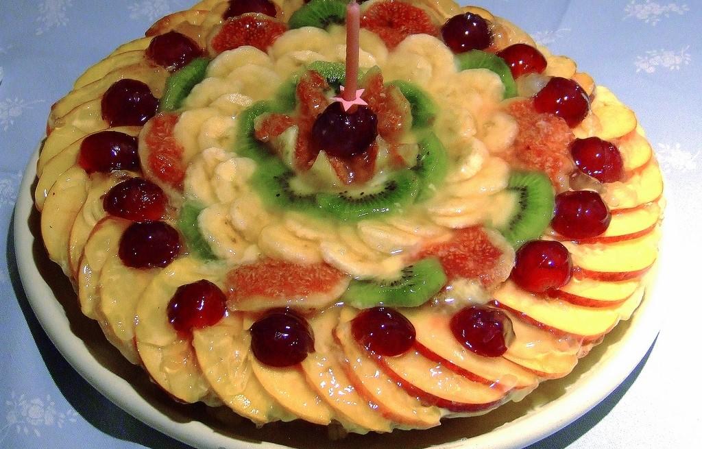 Deser owocowo-serowy z miodem