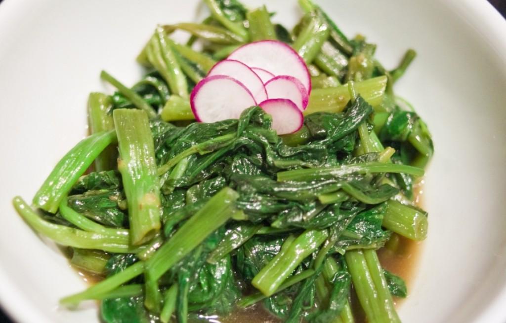 Brokuły z bulionem i sosem sojowym