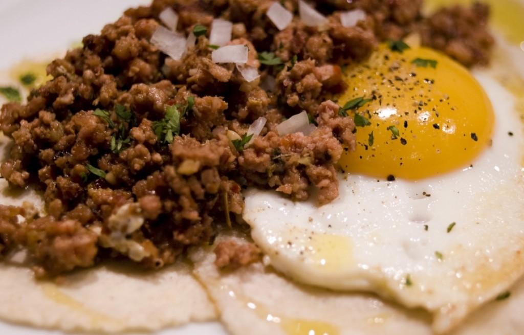 Tortilla z chorizo i jajkami