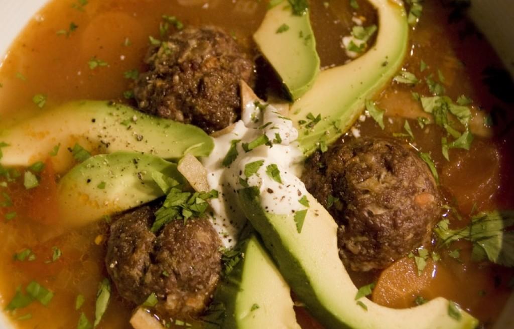 Albondigas (zupa tortillowa)