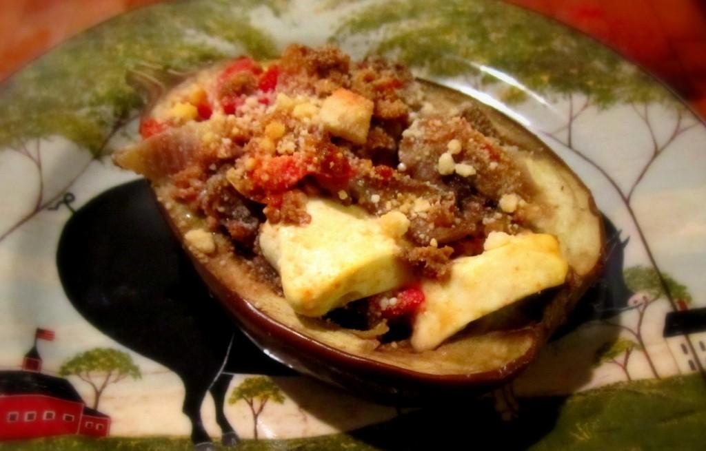 Bakłażan zapiekany z jagnięciną i serem