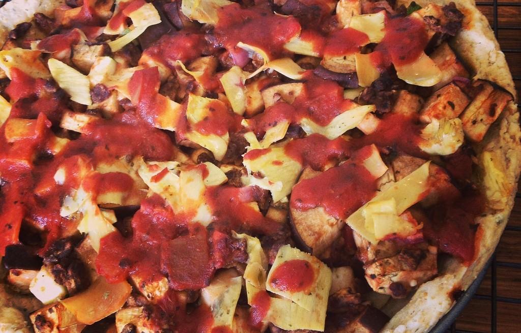 Pizza z bakłażanem i karczochami