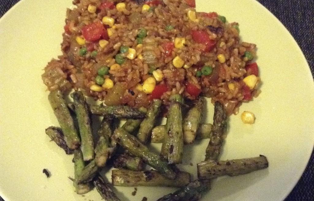 Szparagi z ryżem i warzywami