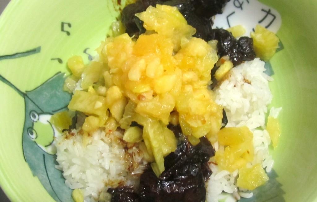 Wieprzowina z ryżem i ananasem