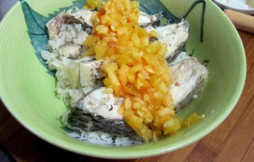 Dorsz gotowany z ryżm i jabłkiem