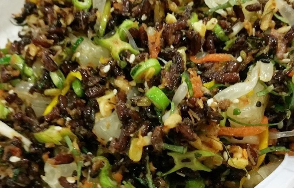 Sałatka owocowo-warzywno-ryżowa