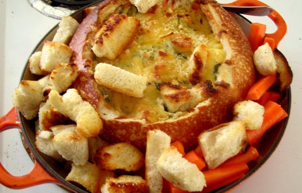 Zapiekanka ze szpinaku, karczochów i sera