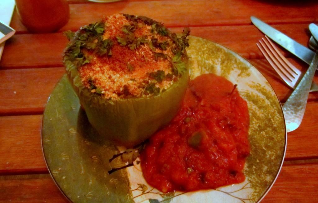 Papryka faszerowana z miksem marchewkowo-pomidorowym