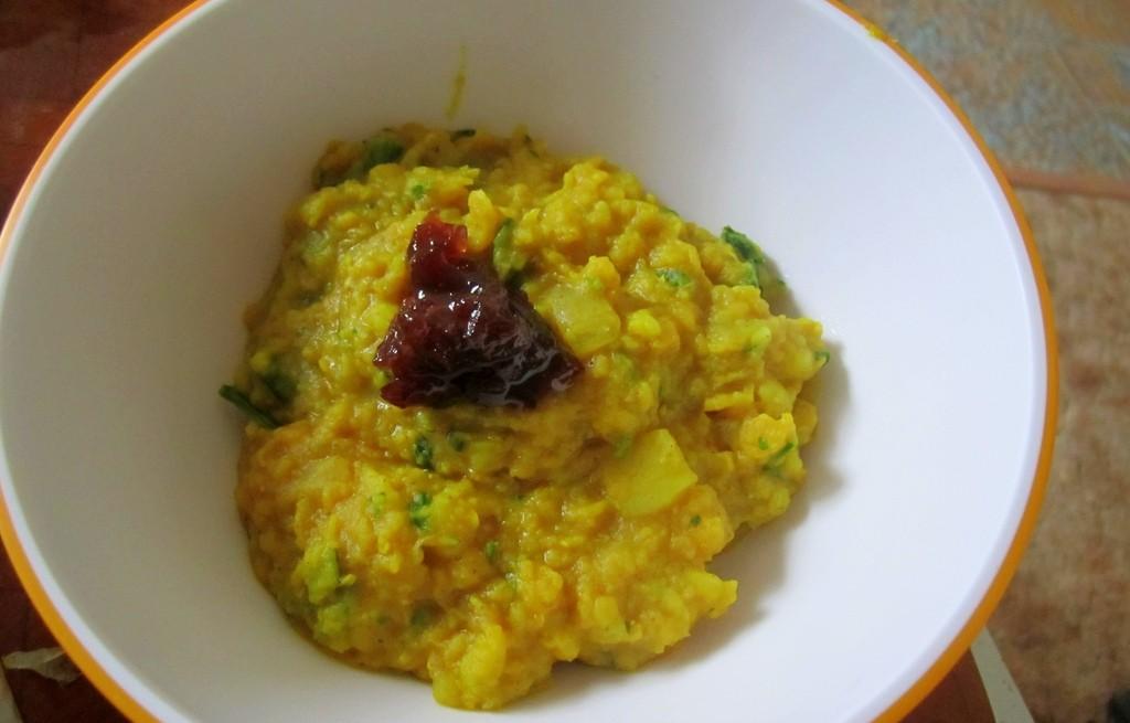 Soczewica z ziemniakami, cukinią w curry