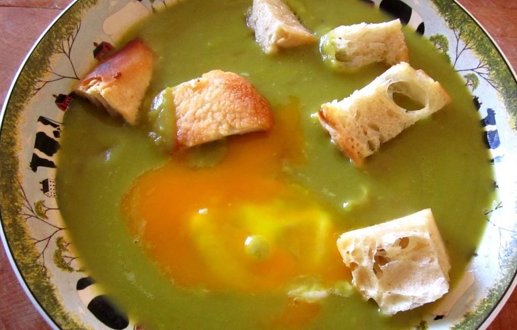 Zupa ziemniaczano-grochowa