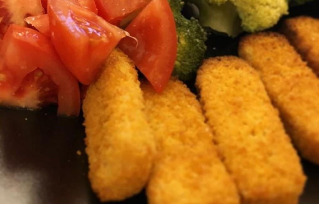 Paluszki rybne z warzywami