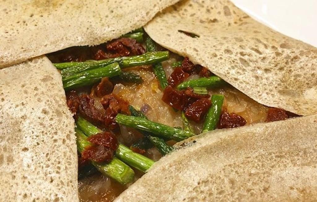 Tortilla warzywna z boczkiem