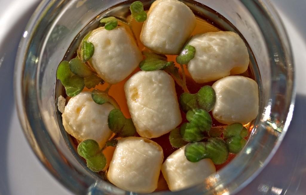 Gnocchi z pasztetem w sosie musztardowym