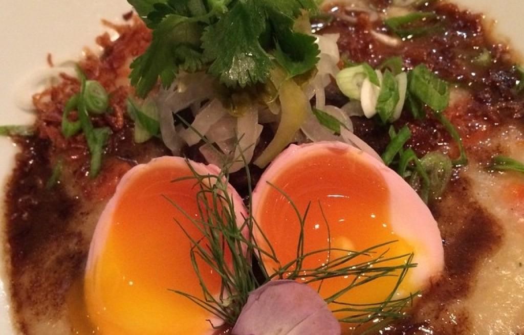 Jajka z ryżem i wieprzowiną