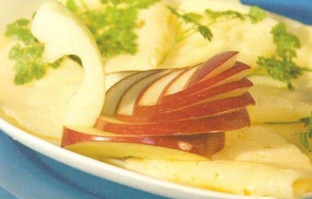 Łabędź z jabłka