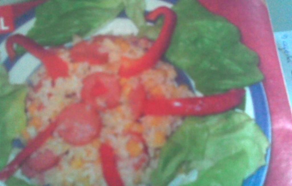 Ryż z parówkami i kukurydzą